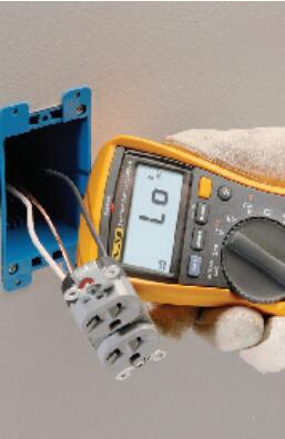 传统的方法是用福禄克万用表电阻挡一段一段地寻找电线的断点,如果